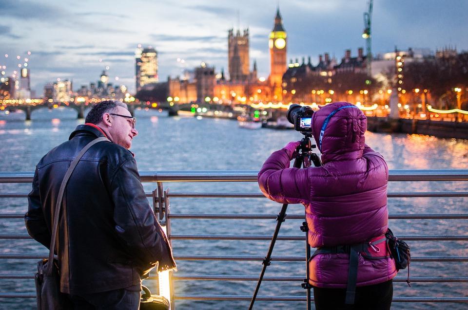 カメラマン カメラ 人 三脚 写真 Professional 機器 アウトドア 撮影