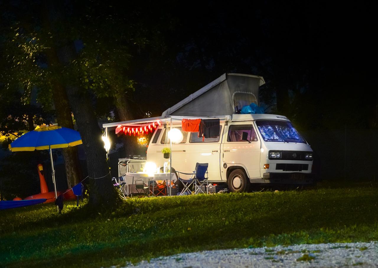 キャンプ キャンピングカー 車両 アウトドア 旅行 夏 フォルクスワーゲン バス