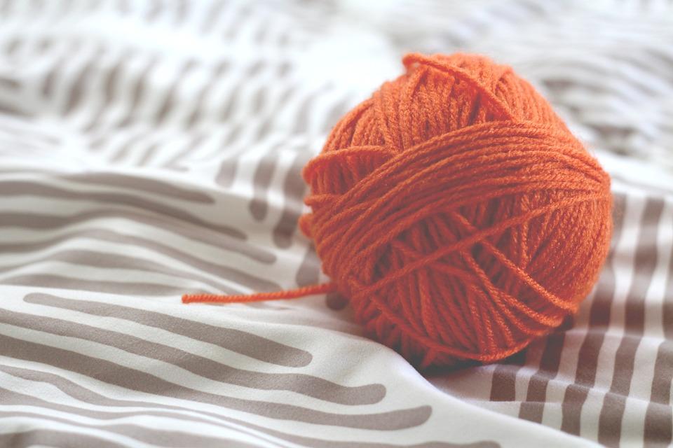 ウール ボール 編み物 クラフト 趣味 オレンジ 手作り 色 材料 自然 羊