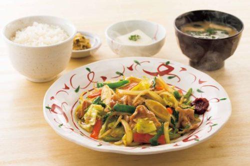たっぷり野菜の肉野菜炒め定食